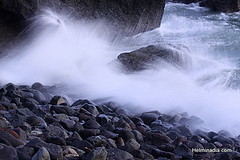 Mengening (Helminadia Ranford(New York)) Tags: sea bali indonesia wave pantai mengening