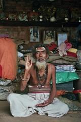 (Jeff Bauche._.·´¯)) Tags: world voyage travel nepal portrait people man film jeff face portraits photography travels faces retrato films prayer monk porträt holy roll hindu portret hinduism ritratto sadhu visage portrat holyman saddhu nepali voyages népal hindouisme pellicule bauche nepalais pellicula népalais sâdhu jeffbauche sādhu jeanfrançoisbauche साधु ©jeffbauche jeffbauchehotmailcom