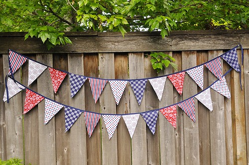 Fabric banners diy Tutorial dsc0614 Your Homebased Mom Fabric Pennant Banner