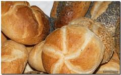Basic food / Alimento básico (SantiMB.Photos) Tags: food macro bread comida roll pan breadroll panecillo supershot abigfave groovygang goldenphotographer top20dishes