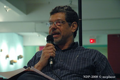 JMLDA08 - Ehab Lotayef (www.nochesdepoesia.com) Tags: poetry montral arabic arabe poesia dialogue adage poesie volver nochesdepoesia elizrobert mcplasse jmlda dialoguearabisant