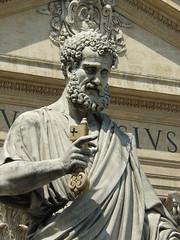 El Guardian de las Llaves, Vaticano (Don Perucho) Tags: plaza italy vatican rome roma lumix italia panasonic vaticano piazza sanpietro sanpedro lazio dmcfx8