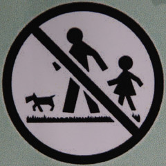 No dogs, adults or children (Leo Reynolds) Tags: sign canon eos iso100 squaredcircle f56 peril 135mm signsafety signdog signno squsa 0ev 0008sec 40d hpexif groupdogsigns signcirclebar groupperil xratio11x sqset030 xleol30x