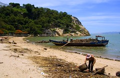 Cleaning the beach (Gulangyu - Piano Island) (Bill Davies (SA)) Tags: china travel island piano loveit xiamen gulangyu  pianoisland
