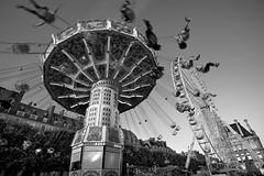 Jardin des Tuileries - Paris (Auré from Paris) Tags: carnival bw white motion black game paris france photoshop garden blackwhite play dynamic noiretblanc action jardin carousel ferriswheel tuileries parc soe canoneos5d auré