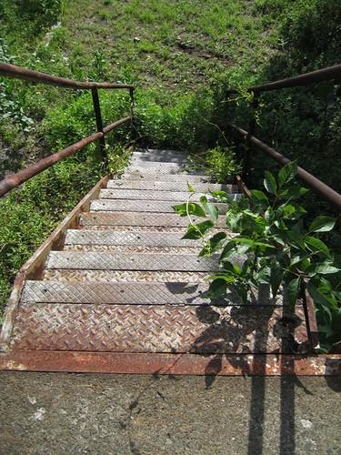 Missile platform diamond plate stairs