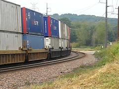 Passing on the Bertram Curve (Clark Westfield) Tags: railroad up video rail trains iowa unionpacific locomotive curve freight locos bertram csx freighttrain tankcars 6822 guterzug up6822 csx5002
