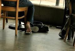 TYPICAL GIRL ON HER LAPTOP (lkurnarsky) Tags: california feet women toes sandals santamonica touch bodylanguage nails flipflops barefeet females peets sensuous fashopn