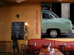 Stefano Sivieri (Frizztext) Tags: car restaurant still interesting mural gallery fifties cuba exhibition explore syria damascus 1950 damasco   dimashq ultimateshot visiongroup ysplix ashshm stefanosivieri 20081204 frizzgallery  dimashqashshm