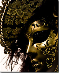 Mask (over 10.000 view and 100 fav... thanks to all!) (Bonnyboy) Tags: venice portrait mask venezia oggetti maschera ih 25faves colorphotoaward aplusphoto flickraward canoneos40d bonnyboy artofimages heavenlycaptures