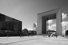 LaDefense_16 (Pete Sieger) Tags: paris france architecture ladefense 2008 sieger builtenvironment esplanadedeladefense esplanadedugeneraldegaulle peterjsieger
