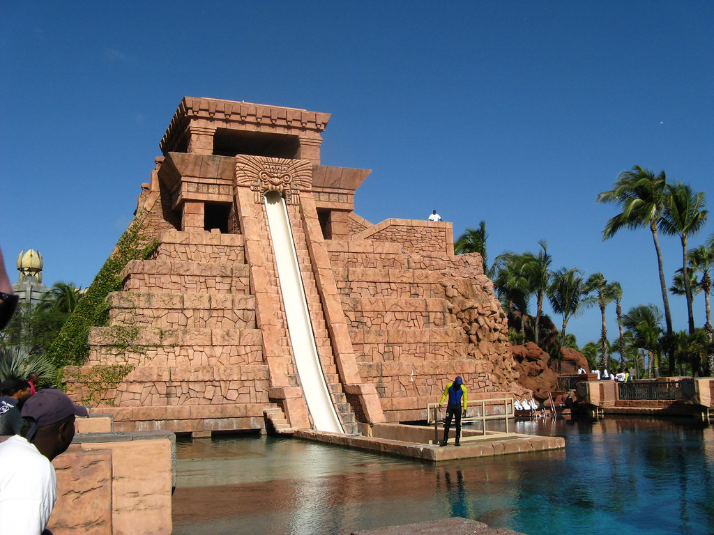 Atlantis water slide where the shark jumped over the barrier and onto the water slide about 20 minutes earlier