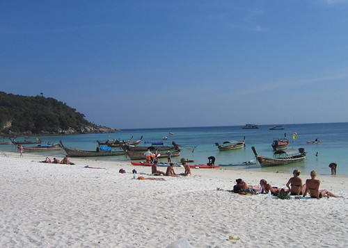 Sunbakers, Pattaya Beach, Ko Lipe, Thailand