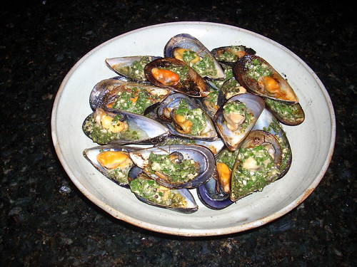 Cooked garlic and parmesan Mussels