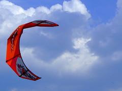"""libertà controllata... (Claudio61 una foto ferma un ricordo nel tempo) Tags: nuvole mare rimini vela colori vento kaysurf naturallyartificial spiritofphotography """"flickraward"""""""