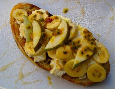Fruit and ricotta toast, Single Origin