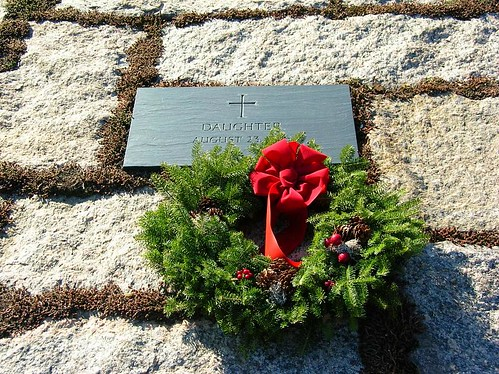 John & Jacqueline Kennedy's unnamed daughter's gravesite