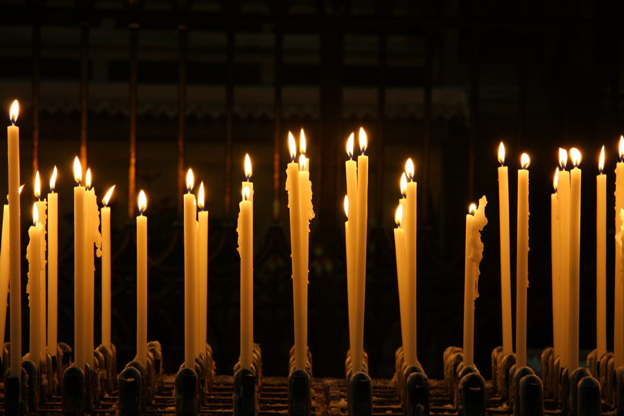 CANDLES IN DUOMO CATHEDRAL