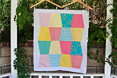 Tumbling quilt top