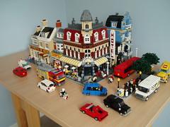 city scene (2) (Mad physicist) Tags: city england lego minifig minifigure moc cafecorner modularbuilding