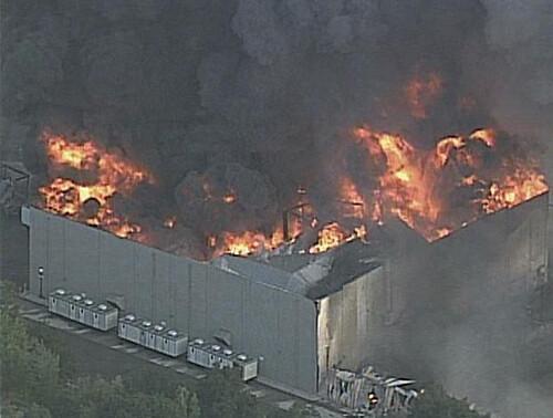Universal Studios edificio en llamas