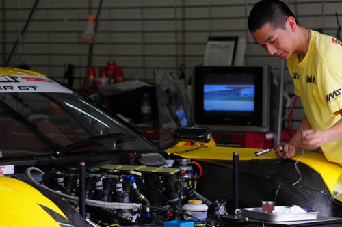 Working on a race car, Super GT, Sepang, 2008
