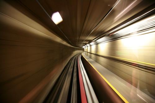Tunel by kaktuslampan