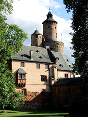Castle (Anke L) Tags: old tower castle germany sandstone hessen f30 2008 bdingen wetteraukreis ysenburg