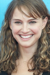 Natalie PORTMAN portrait (detengase) Tags: portrait cinema sexy celebrity film beautiful beauty smile female canon movie stars eos israel glamour kino jerusalem hollywood actress jewish paparazzi celebrities venezia mostradelcinema natalieportman portman moviestars venicefilmfestival