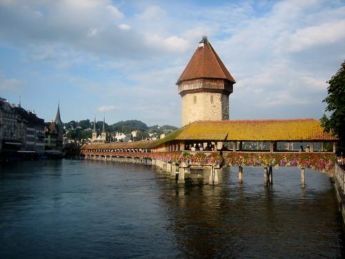 El Kapellbrücke y la Wasserturm