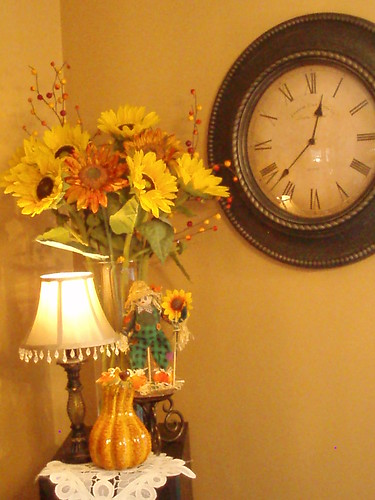 Dining Delight: Last Year's Fall Decor