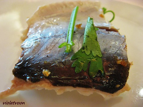 Steamed river patin with preserved vegetables