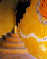 tile stairs and yellow wall (msdonnalee) Tags: texture yellow wall mxico stairs jaune mexico  steps stairway treppe escalera explore amarillo gelb giallo mexique scala escada escalier yellowwall mexiko azulejos treppen messico escala    walltexture tilestairs i  donnacleveland sanmigueldeallendephotos sanmigureldeallende escaleradeazulejos photosofsanmigueldeallende photosbydonnacleveland
