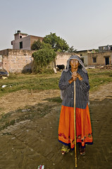 Mater Familias Vrindavan Color (Anoop Negi) Tags: world travel girls portrait people woman india color colour men girl festival photography for photo amazing women essay media place image photos gorgeous delhi indian bangalore creative picture culture traditions agra images best exotic human photograph hues journey po tradition mumbai anoop journalism pradesh negi uttar mathura vrindavan jat photosof ezee123 bestphotographer imagesof anoopnegi jjournalism
