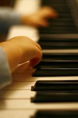 ezra's-piano-hands