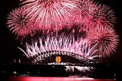 Sydney 2009 New Year Fireworks II (L Plater) Tags: longexposure nightimages sydney australia coathanger harbourbridge 2009 balmain happynewyear blueribbonwinner supershot nyefireworks platinumphoto anawesomeshot isawyoufirst newyearfireworks almostanything flickrelite nye2008 goldstaraward lplater unlimitedphotos newyearseve2008 mortbaypark 31dec08 vivacitysydney2009