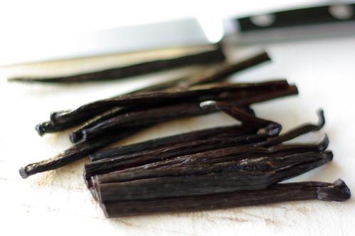 6 vanilla bean split and halved