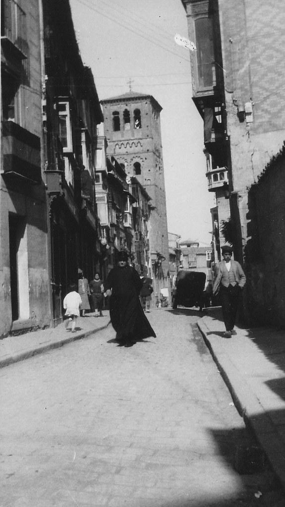 Calle de Santo Tomé, Toledo, en los años 20.  Fotografía de Eduardo Butragueño Bueno
