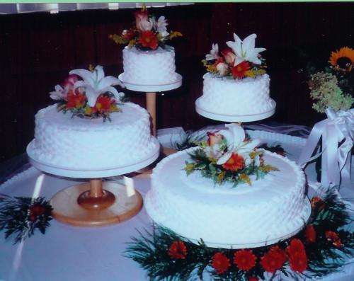 Red Wedding Cake Photo (29 of 60) | The Wedding Lens