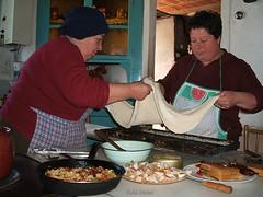 GALICIA ( Preparacin de la empanada ) (KOHLI MICHEL) Tags: comida galicia nourriture personaje empanada galice cuisinires