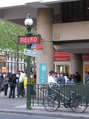Metro space invader, Pompidou
