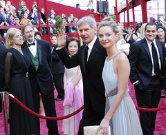 Oscar 2008, Harrison Ford and Calista Flockhart (Pulicciano) Tags: california old wedding ford love film peru beauty mexico skull star jones losangeles actors oscar glamour couple harrison jeep crystal explorer father young hans indiana son lucas solo hollywood hero idol whip wife paparazzi fedora wars yale lover professor academy macho spielberg indianajones russians redcarpet matinee kodaktheatre archeologist calista crystalskull flockhart pulicciano