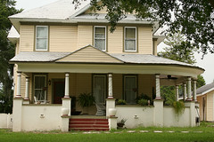 Nice porch (Black.Doll) Tags: florida 1904 tinroof inverness citruscounty victorianrevival