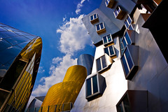 Stata Center, MIT (Cameron Booth) Tags: cambridge people usa building window architecture 510fav university mit massachusetts unitedstatesofamerica architect frankgehry statacenter massachusettsinstituteoftechnology skyarchitecture anawesomeshot