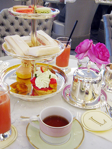 Laduree salon de the -cafe-