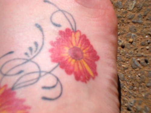 Cute Flower Design For Foot Girl