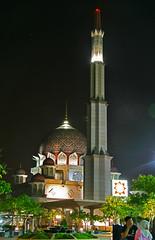 putrajaya mosque (arienzackary) Tags: night dome putrajaya masjid putrajayamosque kubah