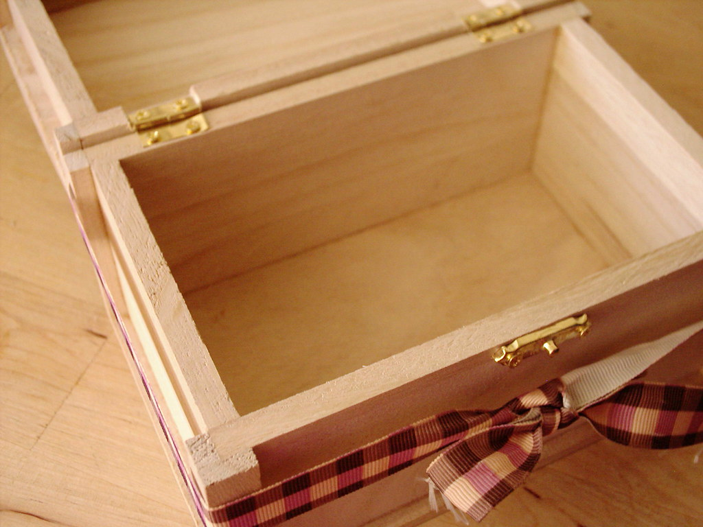 Wooden Gift Box single tie 1