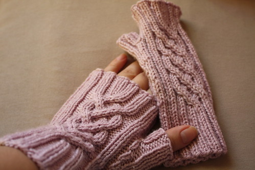 Not-quite-a-princess mitts