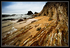 Erosion (Rain.Forest) Tags: ocean sea cliff rock canon bay wave australia erosion nsw 1022 erode batemans